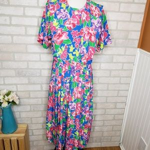 Vintage Leslie Fay Bright Floral Pleated Dress